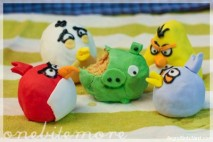 angry birds cake balls by onebitemore