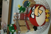 angrybirds-cake-with-tower