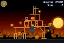 Angry Birds Seasons Trick or Treat Level 3-3 Walkthrough