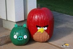 Angry Birds Terence and Piggy Painted Pumpkins | AngryBirdsNest