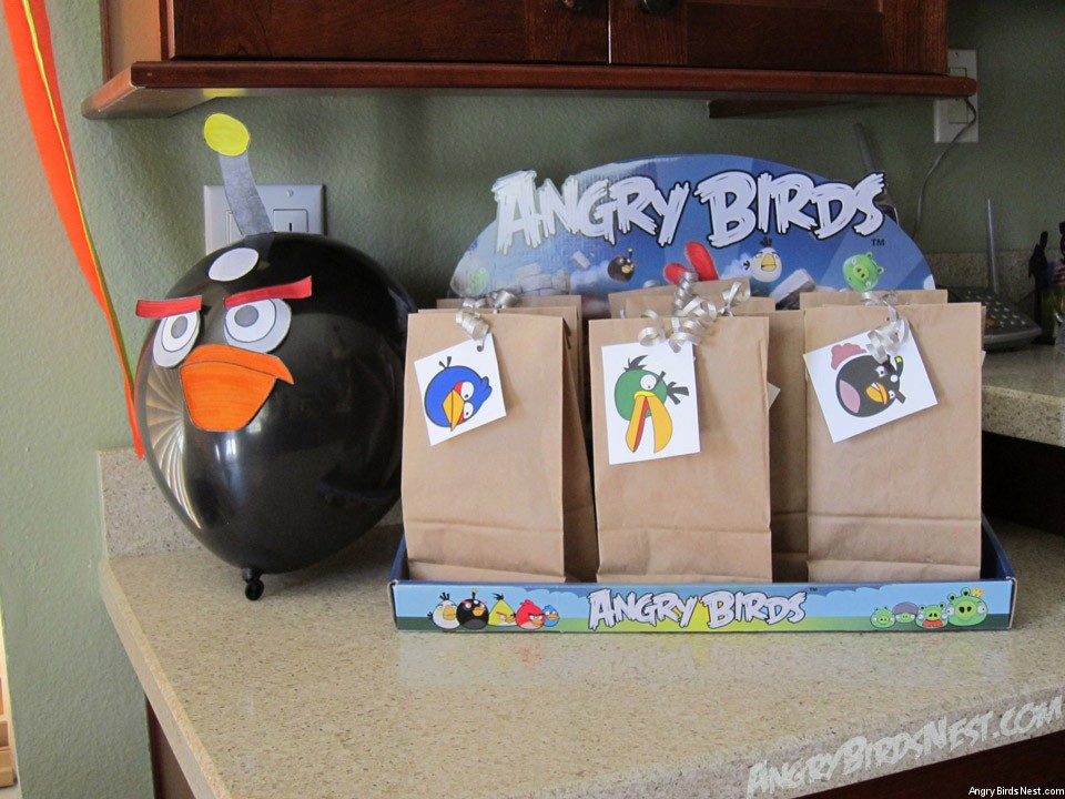 how to throw an angry birds birthday party on a budget
