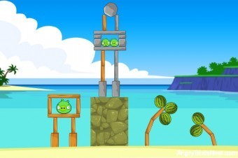Angry Birds Facebook Surf and Turf Level 1 Walkthrough