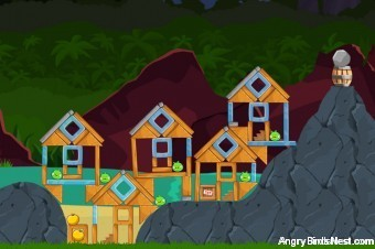 Angry Birds Facebook Surf and Turf Level 28 Walkthrough