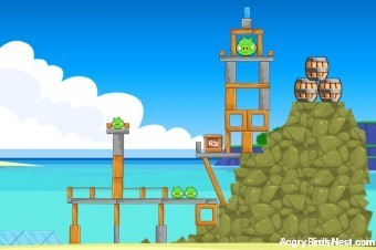 Angry Birds Facebook Surf and Turf Level 4 Walkthrough