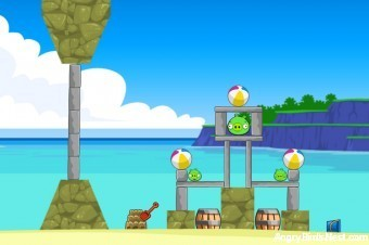 Angry Birds Surf and Turf Level 7 Walkthrough