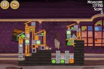 Angry Birds Seasons Haunted Hogs Level 2-2 Walkthrough
