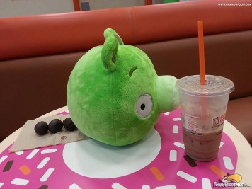 Fat Pig Poops at Dunkin Donuts